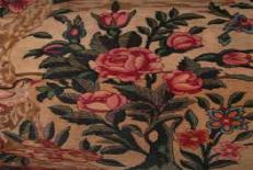 دانلود مقاله نقوش گل فرنگ ( گل رز ) و گل سرخ ایرانی در فرش ایرانی